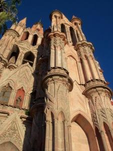 """Leading Lines - """"La Parroquia de San Miguel Archangel"""