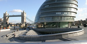 The Scoop and City Hall with Tower Bridge behind.